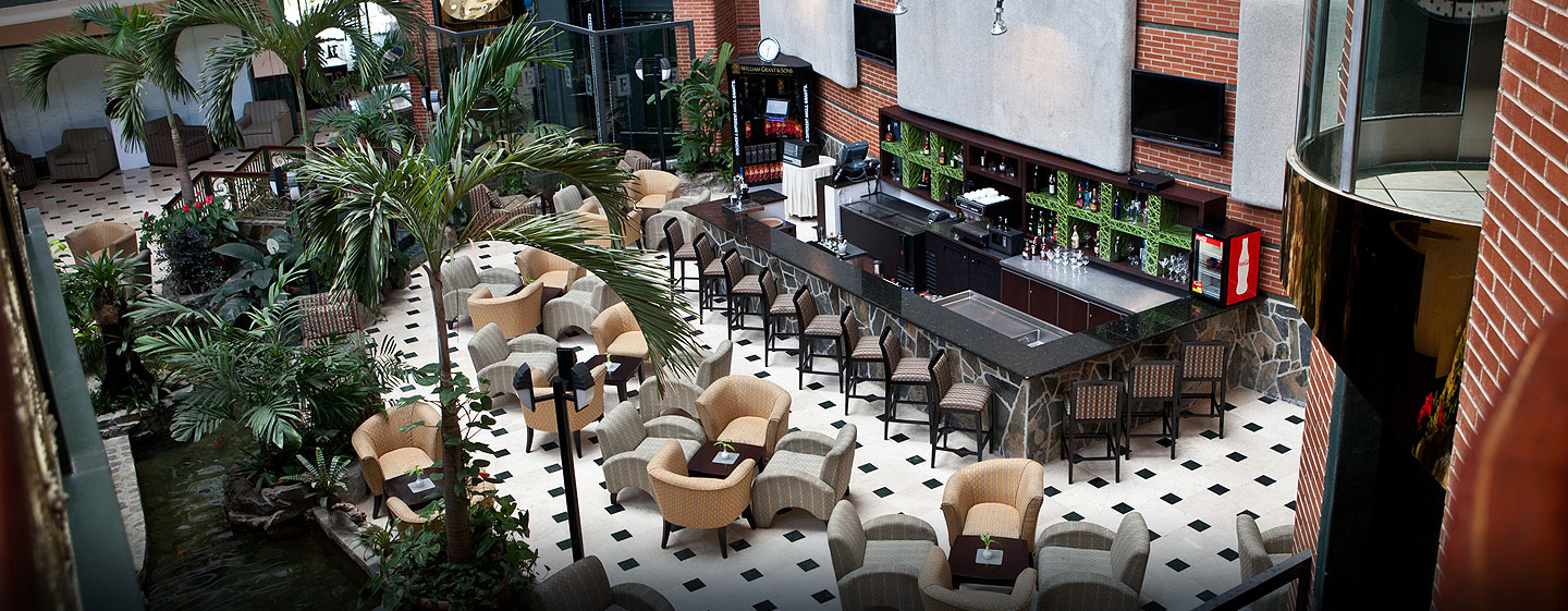 Hotel Embassy Suites by Hilton Valencia-Downtown, Venezuela - Bar