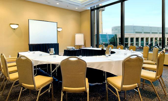 Hôtel Hilton Niagara Falls Fallsview - Salle de réunion avec vue