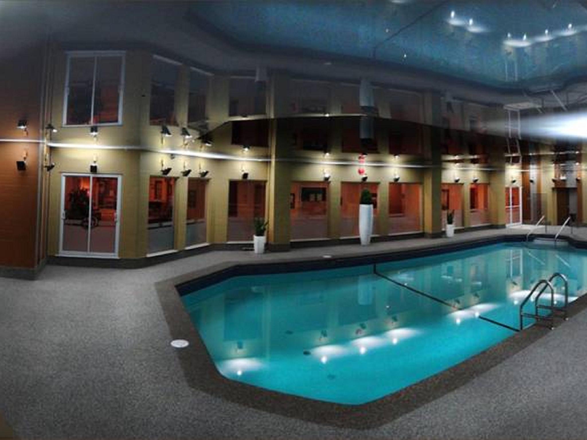 Foto Di Piscine Private hôtels à gatineau - doubletree gatineau-ottawa