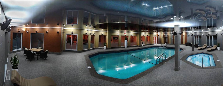 Hôtel DoubleTree by Hilton Gatineau-Ottawa, Canada - Piscine intérieure