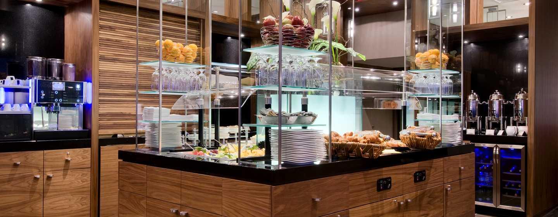 Hôtel Hilton Quebec, Canada - Buffet au Restaurant Le23
