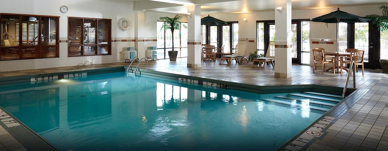 Hôtel Hampton Inn & Suites by Hilton Montreal-Dorval, QC, Canada - Piscine intérieure
