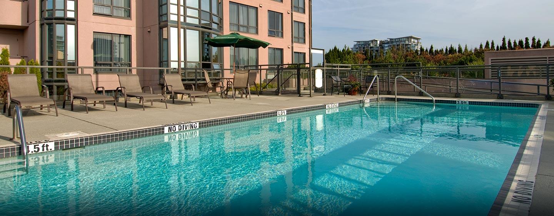 Hôtel Hilton Vancouver Airport, CB, Canada - Piscine extérieure