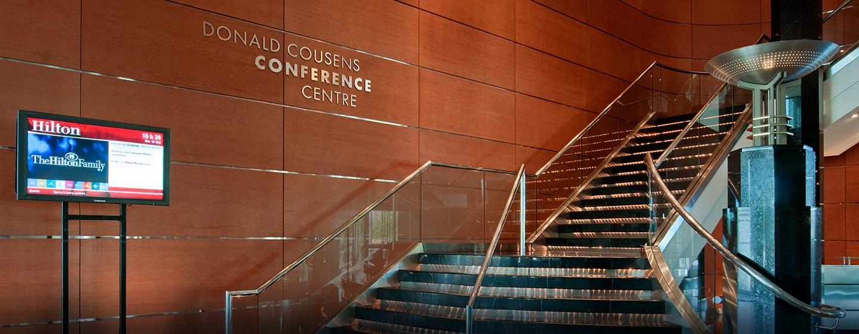 Hôtel Hilton Toronto Markham Suites Conference Centre & Spa, ON, Canada - Entrée et escalier du centre de conférence
