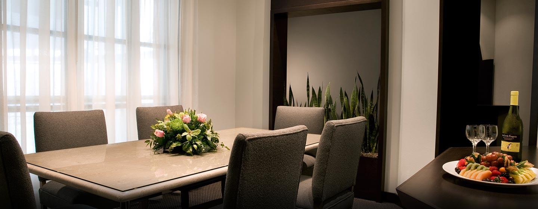 Hôtel Hilton Toronto Markham Suites Conference Centre & Spa, ON, Canada - Salle à manger de la suite VIP