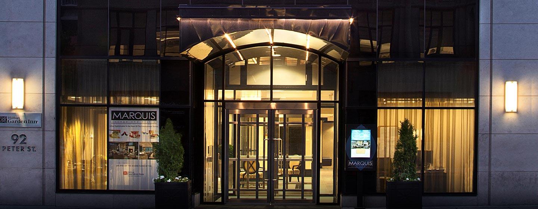 Hôtel Hilton Garden Inn Toronto Downtown, ON, Canada - Entrée extérieure de l'hôtel