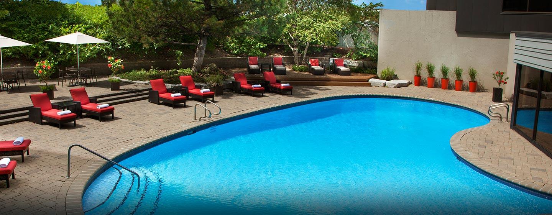 Hôtel Hilton Toronto Airport Hotel & Suites - Piscine extérieure