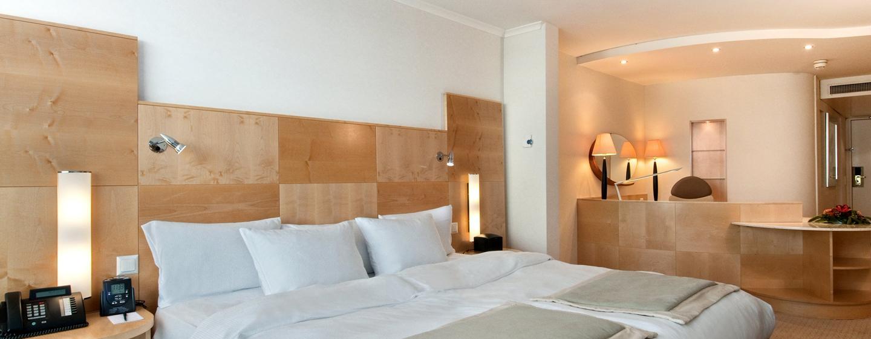 Hôtel Hilton Zurich Airport, Suisse - Chambre Relaxation avec très grand lit