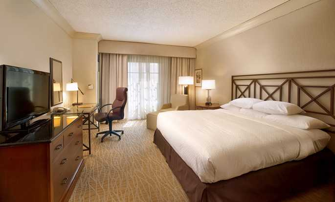 DoubleTree by Hilton Hotel Sunrise - Sawgrass Mills, Florida USA - King Presidential Bedroom