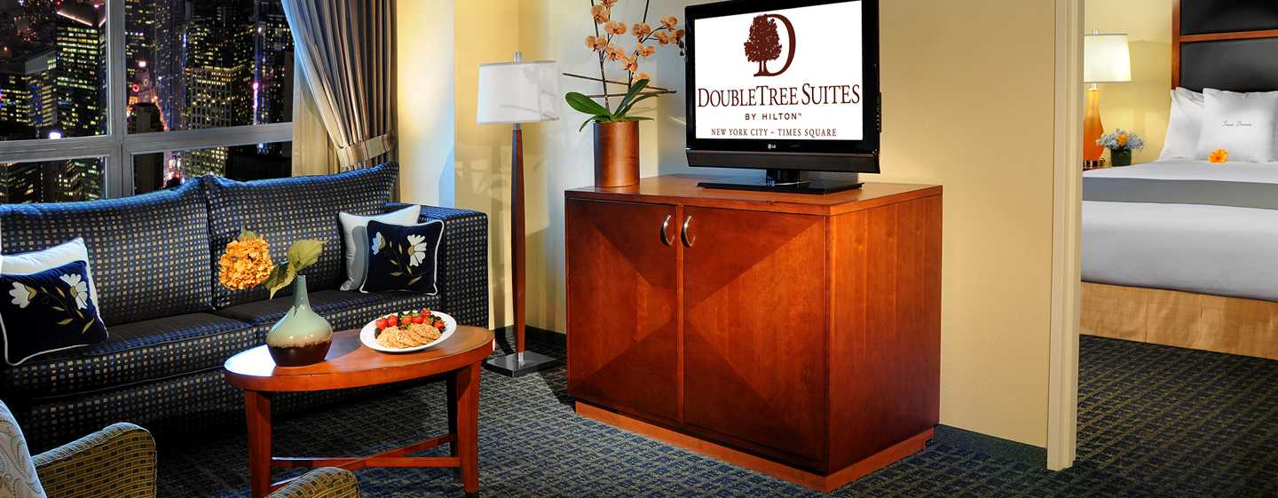 Hotel%20DoubleTree%20Suites%20by%20Hilton%20New%20York%20City%20-%20Times%20Square%20-%20Nueva%20York,%20NY%20-%20Suite%20con%20vista%20a%20Times%20Square