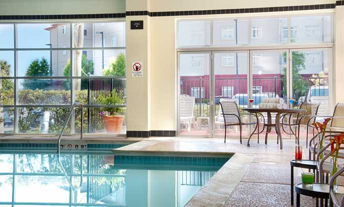 Hotel DoubleTree by Hilton San Francisco Airport North - Piscina bajo techo