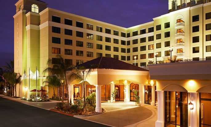 Hotel DoubleTree Suites by Hilton Anaheim Resort - Convention Center, California - Fachada del hotel
