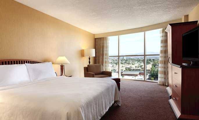 Hotel Embassy Suites Anaheim - South, California - Suite
