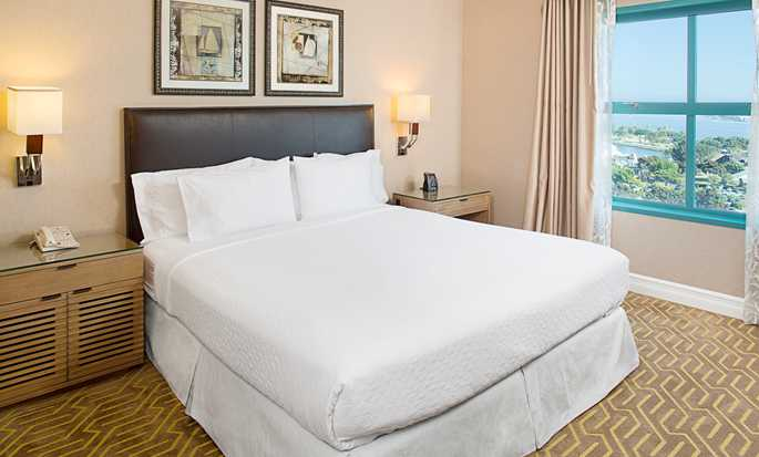 Embassy Suites San Diego Bay - Downtown, California - Dormitorio con cama King