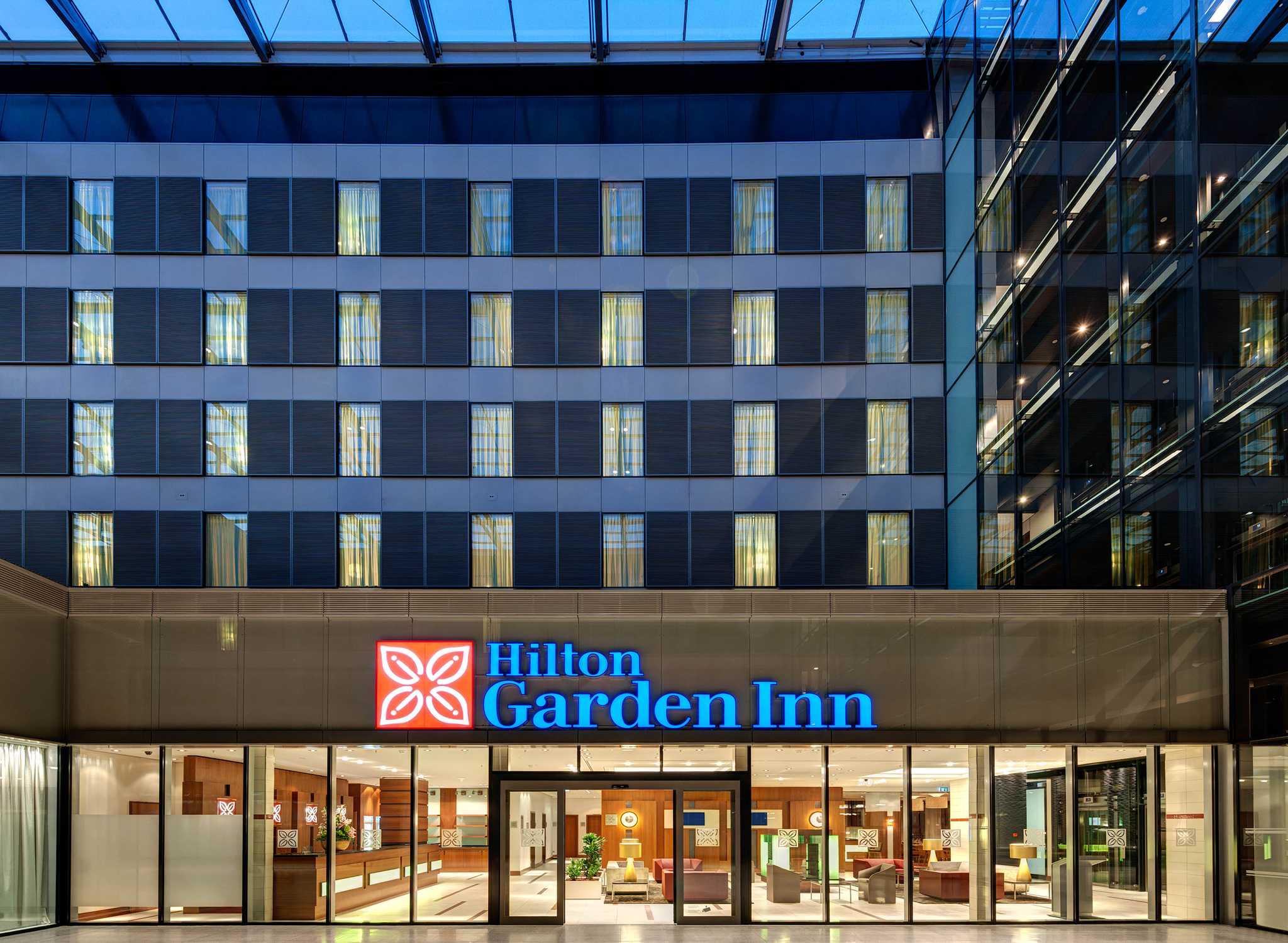 Hilton Worldwide Hotel  U0026 Resorts