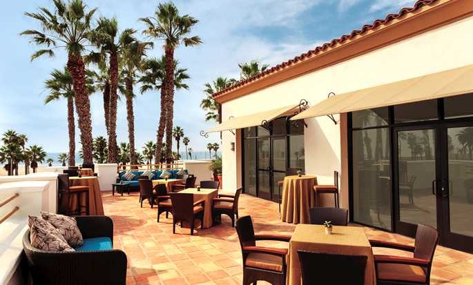 Hotel Hilton Waterfront Beach Resort, Huntington Beach, California - Terraza de la sala Pacific