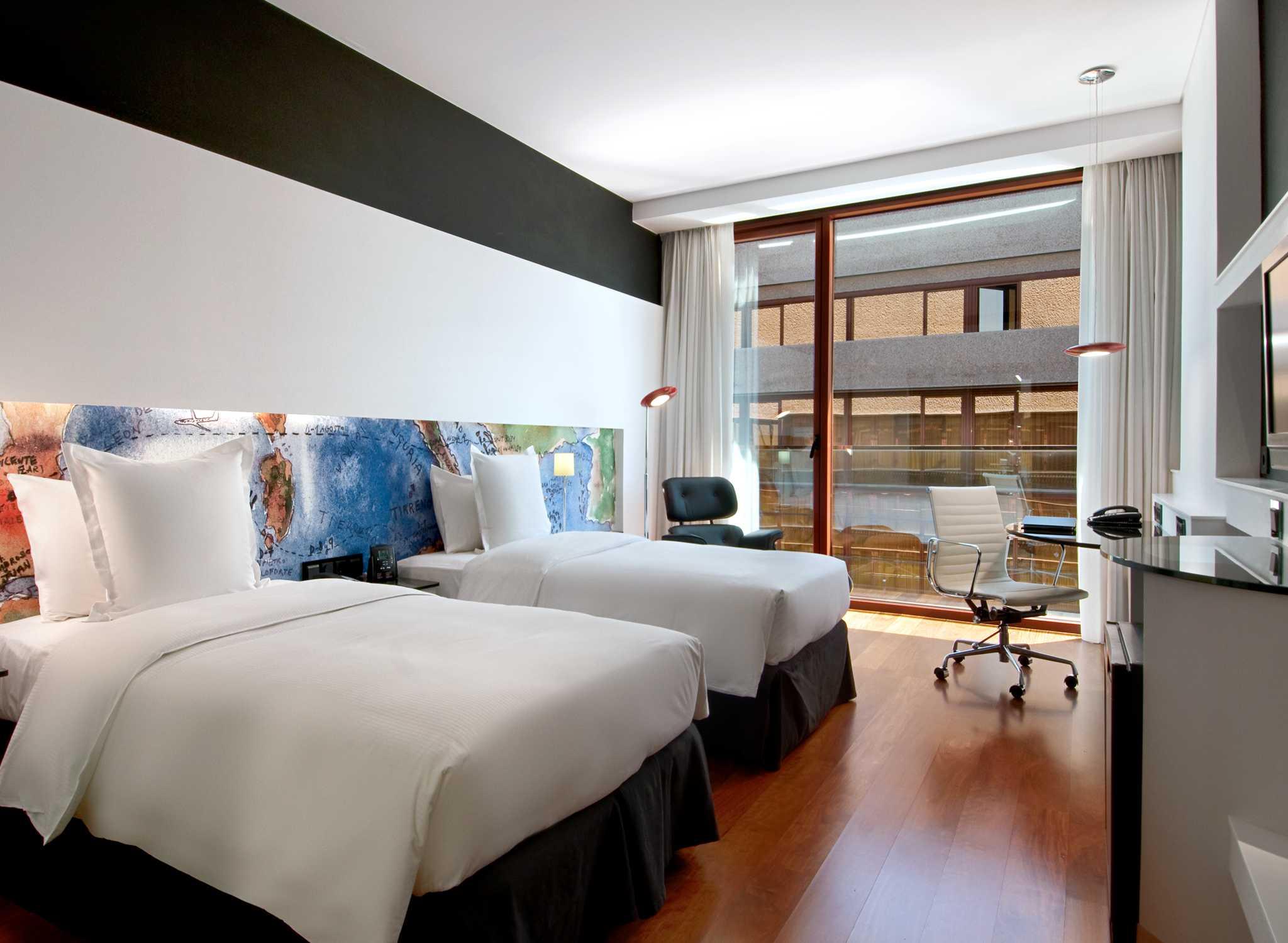 Hotel Hilton Madrid Airport Hotel En El Aeropuerto De