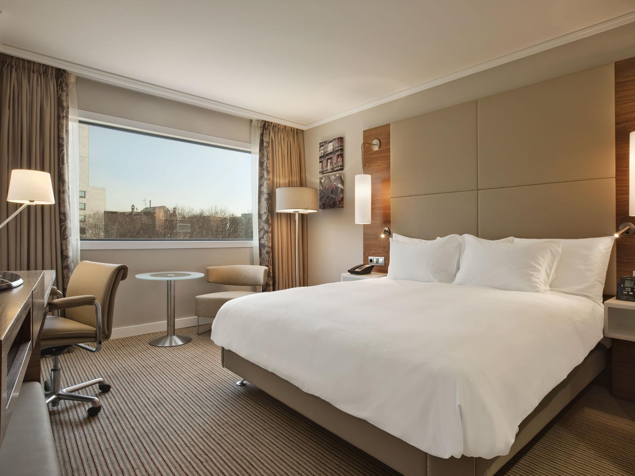 Alojamiento en el centro de la ciudad de barcelona hotel - Decoracion habitaciones de hotel ...