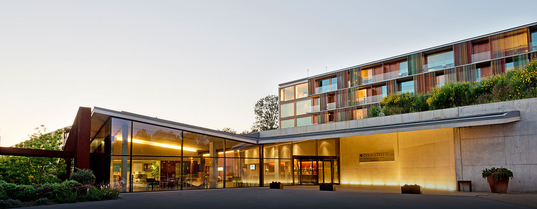 DoubleTree by Hilton Hotel & Conference Center La Mola, Terrassa, España - Entrada del hotel