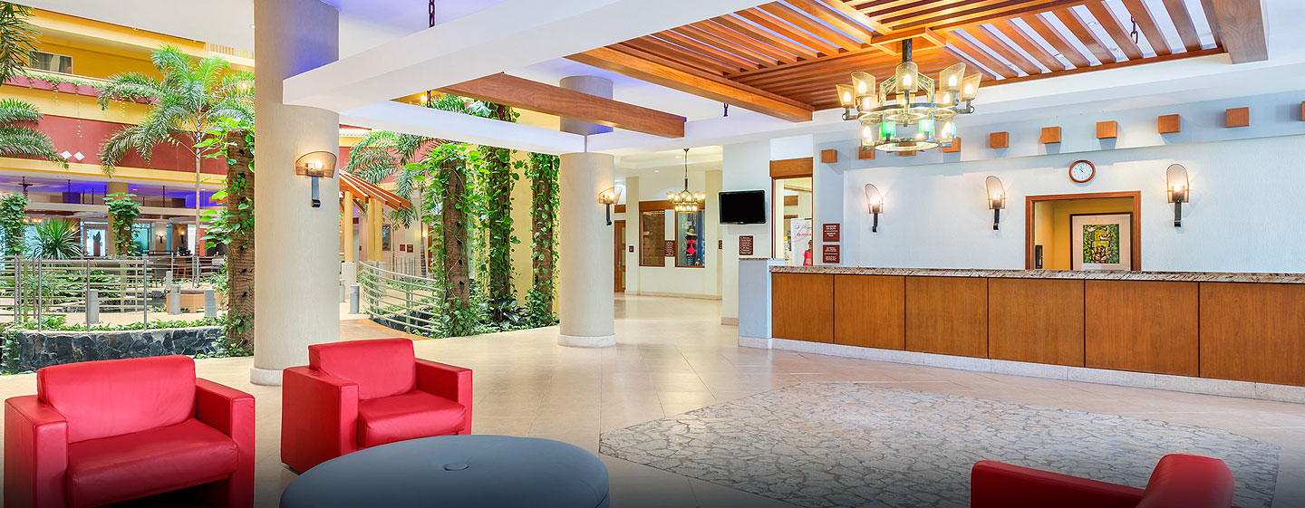 Hotel Embassy Suites Dorado del Mar - Beach & Golf Resort, Puerto Rico - Lobby
