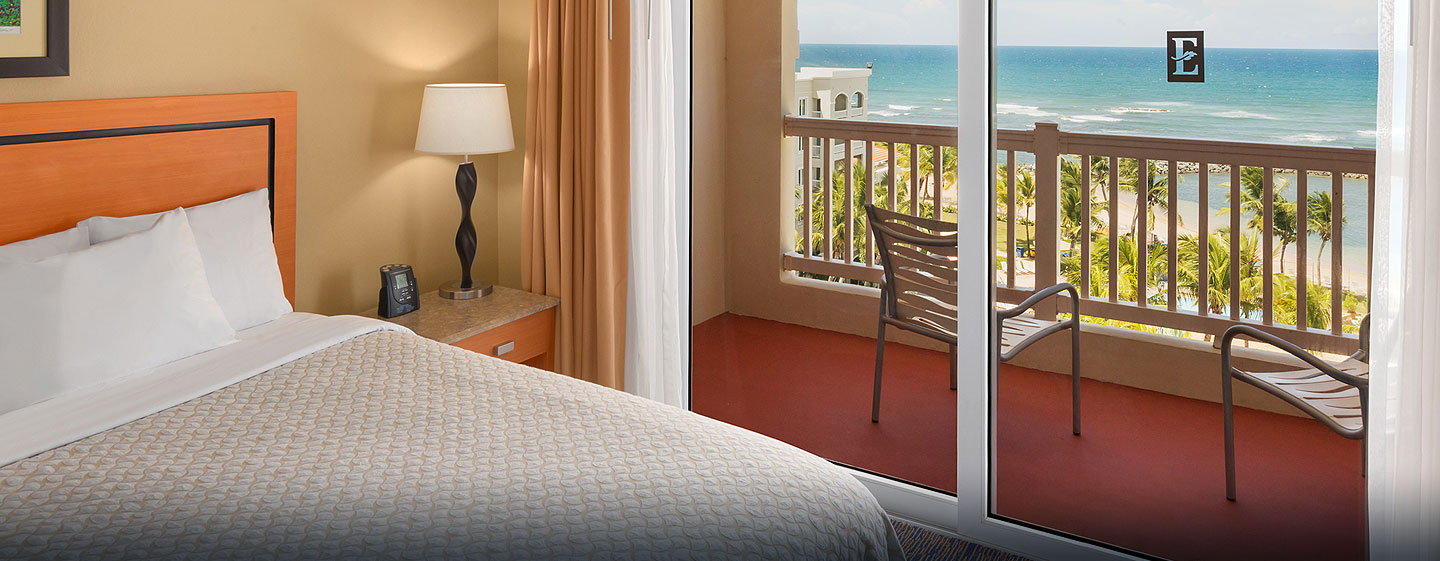 Hotel Embassy Suites Dorado del Mar - Beach & Golf Resort, Puerto Rico - Suite con cama king y vista al mar
