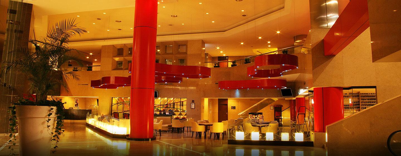 Hilton Guadalajara, Jalisco, México - Vinifera lobby bar