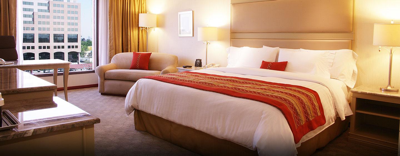 Hilton Guadalajara, Jalisco, México - Habitación estándar con cama King
