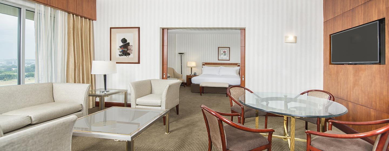 Hilton Colon Guayaquil Hotel, Ecuador - Sala de estar de la suite de la planta ejecutiva