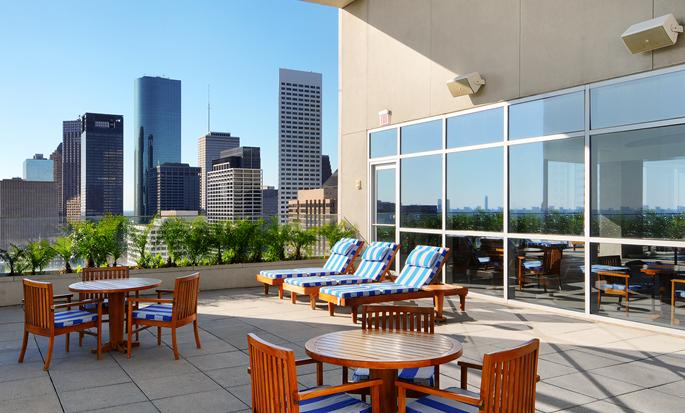 Hilton Americas-Houston, Texas, USA - Terraza