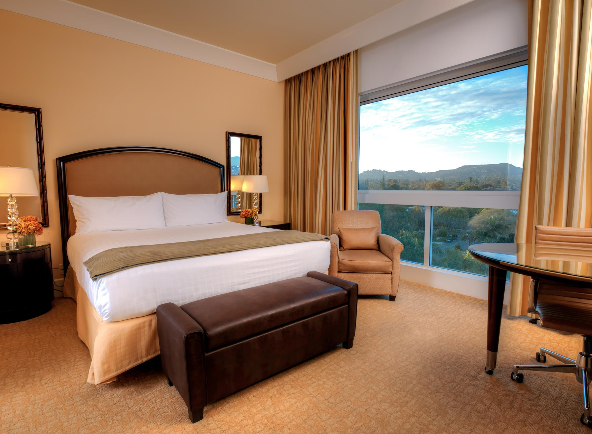 The Beverly Hilton - Guestroom