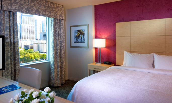 Hotel Hampton Inn & Suites Miami/Brickell-Downtown, FL - Suite tipo estudio con cama king