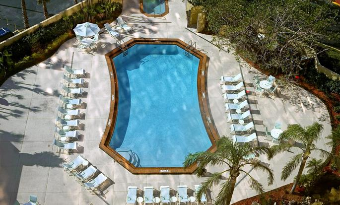 DoubleTree by Hilton Hotel Miami Airport & Convention Center - Piscina al aire libre