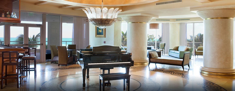 Hotel DoubleTree by Hilton Ocean Point Resort & Spa - North Miami Beach, FL - Lobby