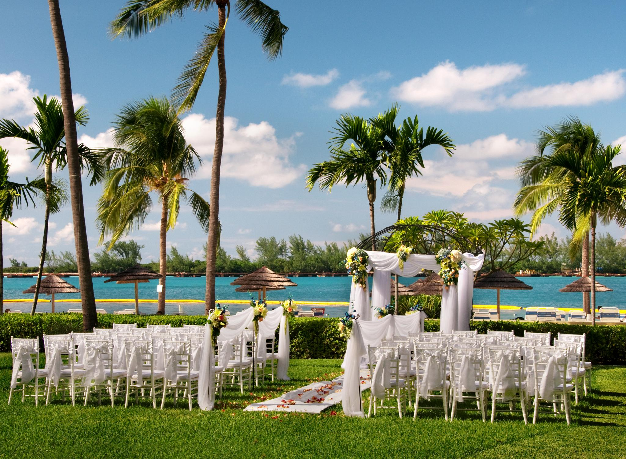 British Colonial Hilton Nassau, Bahamas , Bodas en el jardín