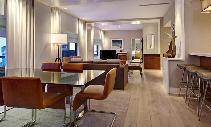 New York Hilton Midtown, NY - Comedor de la suite
