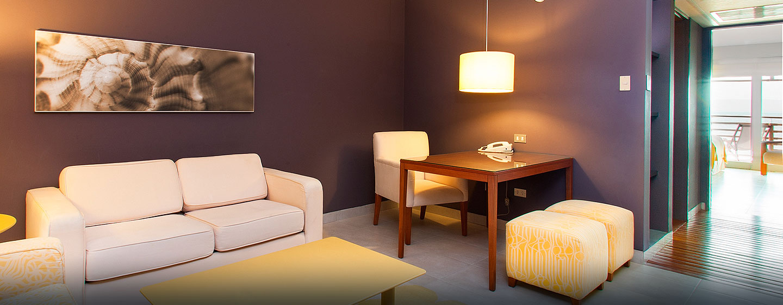 Hotel DoubleTree Resort by Hilton Hotel Paracas - Perú - Sala de estar de la suite