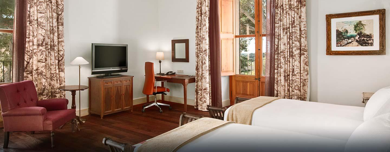Hotel Hilton Sa Torre Mallorca Resort, Llucmajor, España - Habitación de lujo con camas gemelas