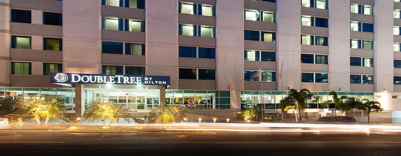 Hotel DoubleTree by Hilton Hotel Panama City - El Carmen, Panamá - Entrada del hotel