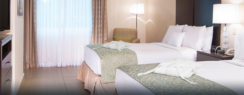Hotel DoubleTree by Hilton Hotel Panama City - El Carmen, Panamá - Suite con camas dobles