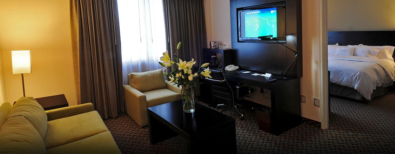 Hotel DoubleTree by Hilton Hotel Querétaro, México - Sala de estar de la