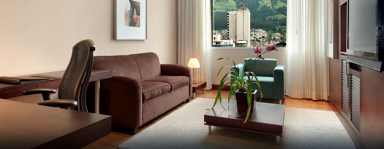 Hotel Hilton Colón Quito, Ecuador - Sala de estar de la suite ejecutiva
