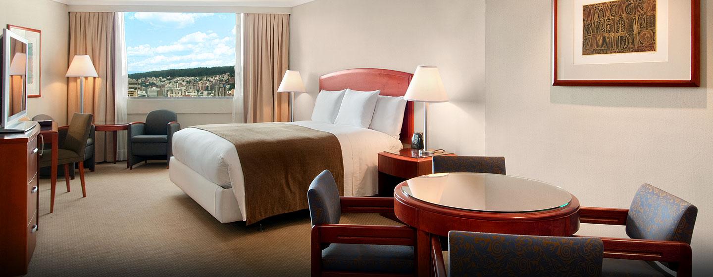 Hotel Hilton Colón Quito, Ecuador - Habitación Club Plus con una cama