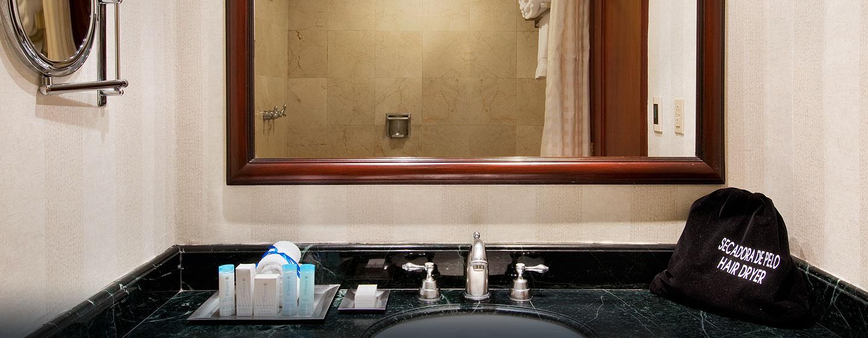 Hilton Princess San Pedro Sula Hotel, Honduras - Baño de lujo