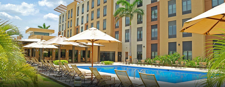 Hotel Hilton Garden Inn Liberia Airport, Costa Rica - Piscina del hotel