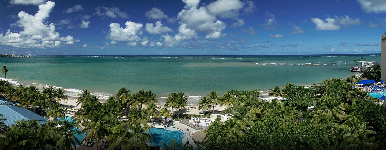 El San Juan Resort & Casino, a Hilton hotel, Carolina, Puerto Rico - Vista panorámica de la playa de Isla Verde