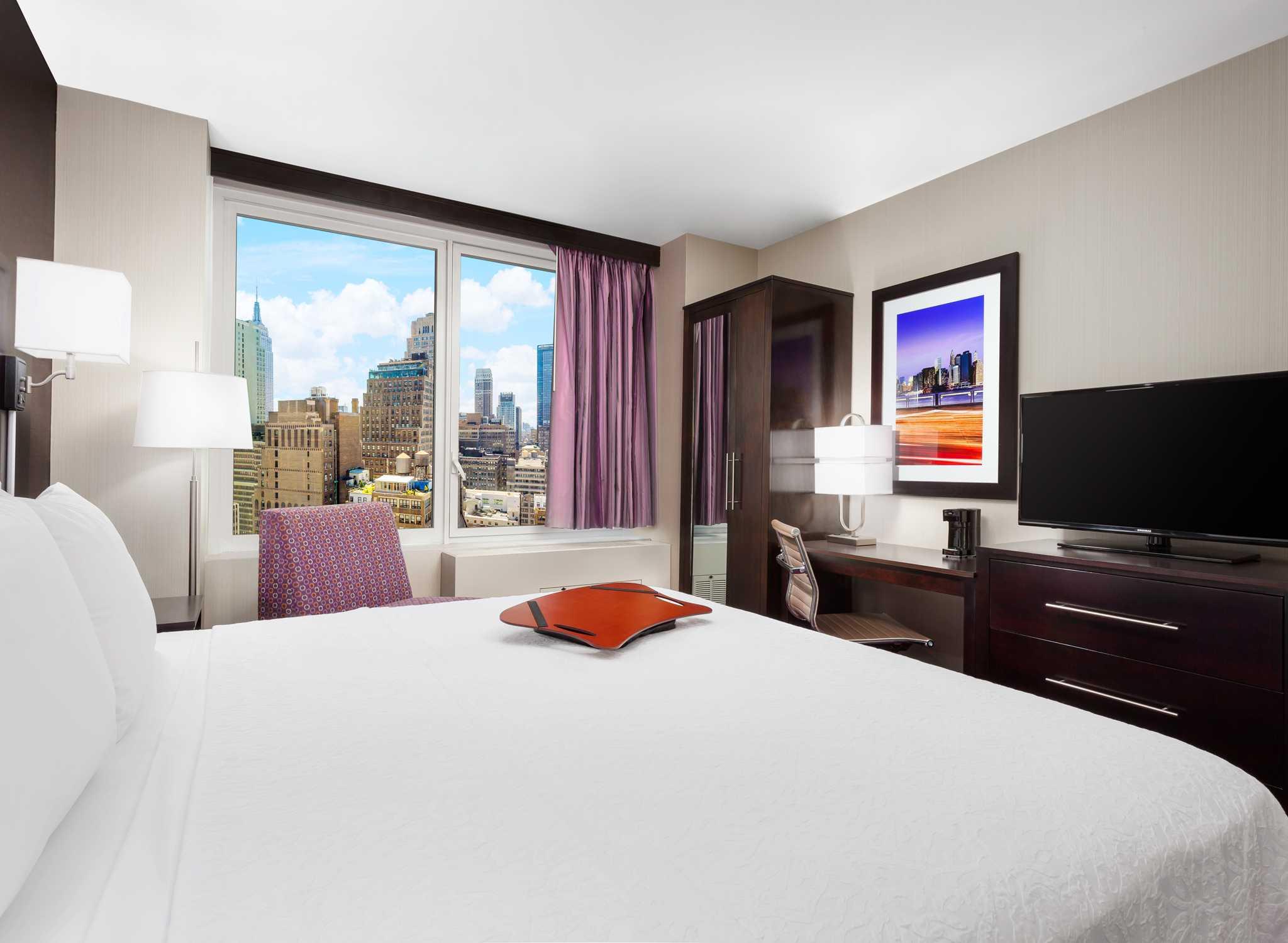 H 244 Tel Hampton Inn Central Times Square New York