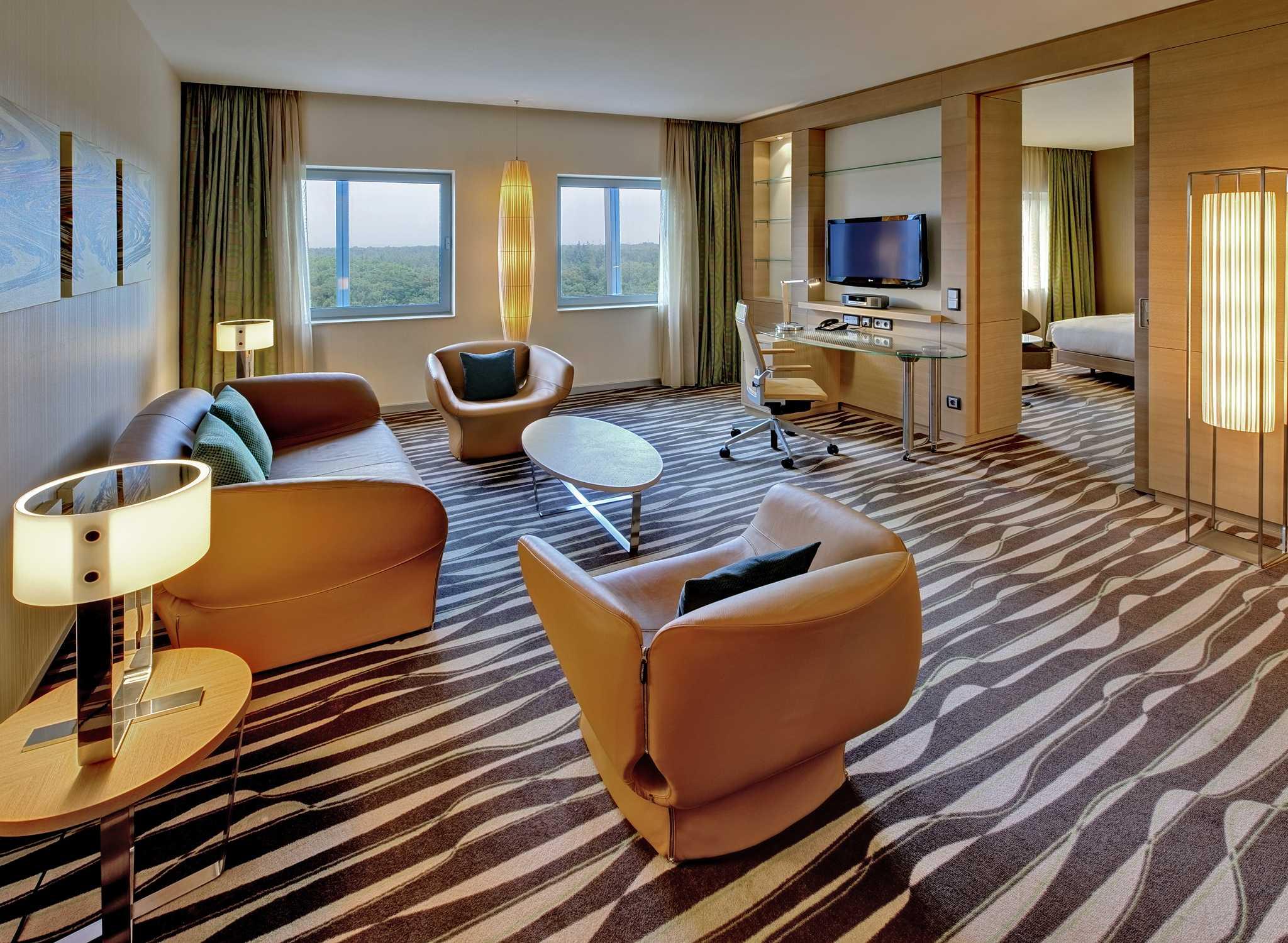 h tel hilton frankfurt airport h tel au t1 de l 39 a roport de francfort. Black Bedroom Furniture Sets. Home Design Ideas