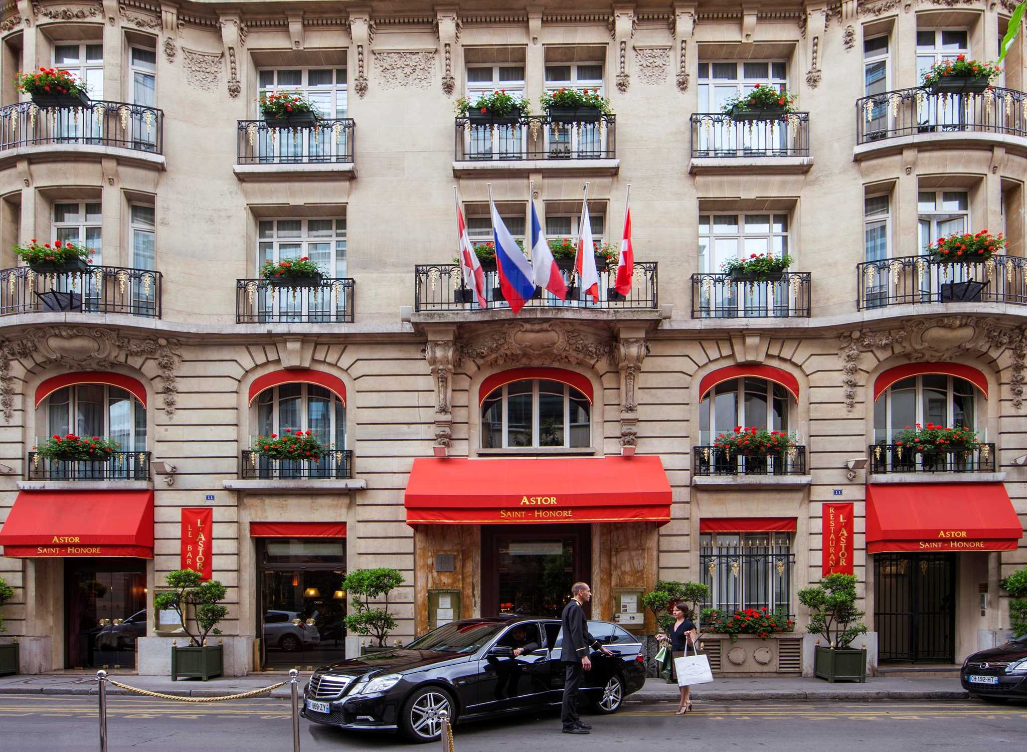 Hilton worldwide hotels resorts france for Hotel des bains paris france