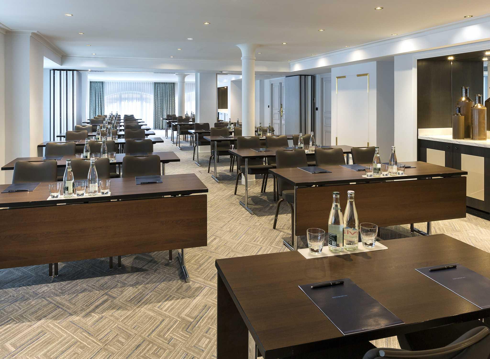 H tels de luxe paris hilton paris opera for Restaurant 24h paris