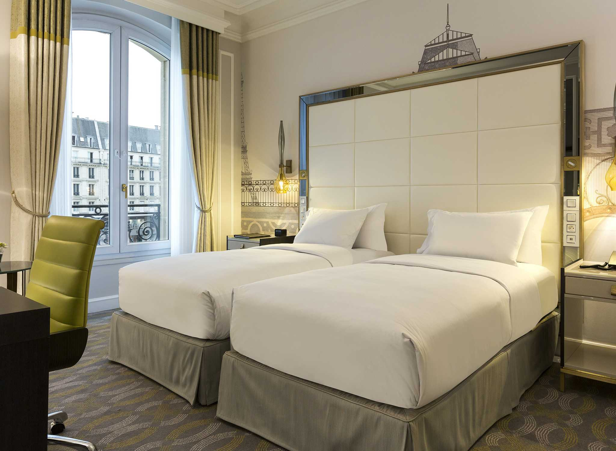 H tels de luxe paris hilton paris opera - Chambre luxe paris ...